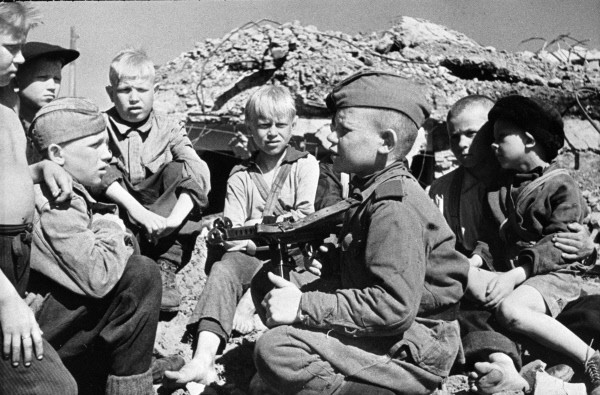 Дети на войне - гранаты вместо обучения